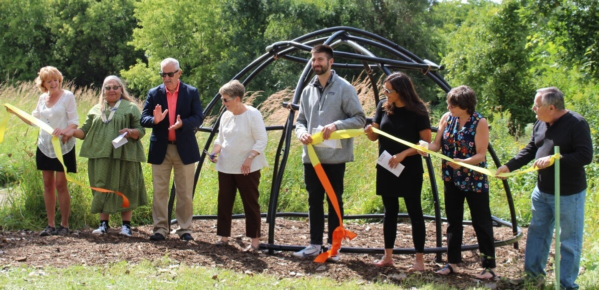 Ribbon-Cutting-of-Ke-Chunk-Ciporoke-sculpture-dedication-Nature-At-The-Confluence-Custom-2